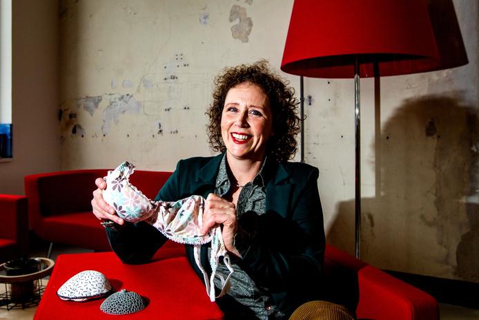 Suzanne Kemps is van huis uit industrieel ontwerper maar ook ervaringsdeskundige. Met haar vinding van de Qup-bh helpt ze tienduizenden vrouwen die met één borst door het leven gaan.