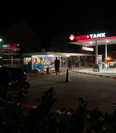 Politie vindt uitgebrande auto en houdt man (28) aan voor schietincident in Enschede