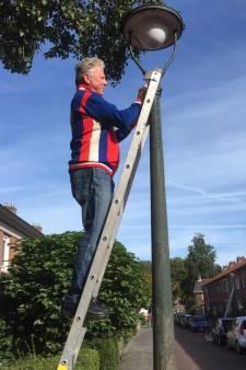 Dat doen we zélf wel: buurt Den Bosch knapt 95 lantaarnpalen op
