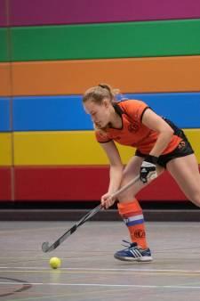 Arnhemse hockeysters genieten van serieus uitstapje in de zaal
