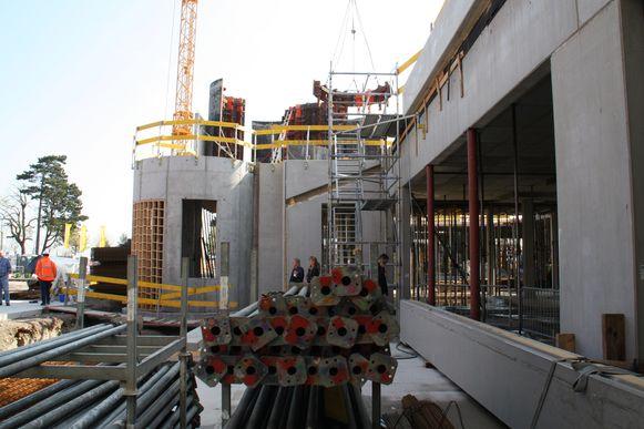 Het Plopsahotel is nu nog een bouwwerf, maar moet tegen volgende zomer klaar zijn.