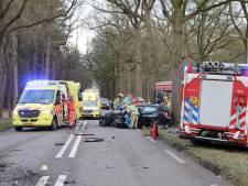 Ernstig ongeluk in Soest: auto botst frontaal op vrachtwagen, bestuurder zwaargewond