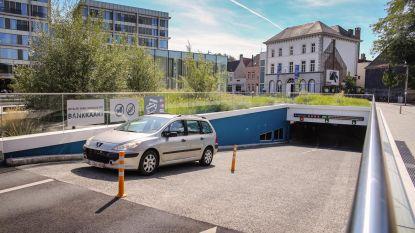 Parkeerprobleem moet dringend aangepakt