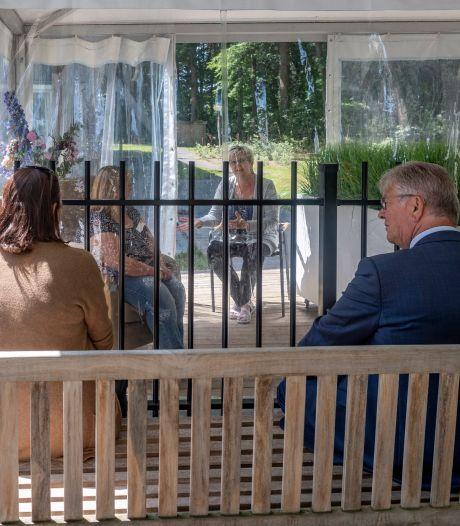 Hartverscheurend: bruidegom (95) overlijdt daags voor platina huwelijksjubileum aan corona