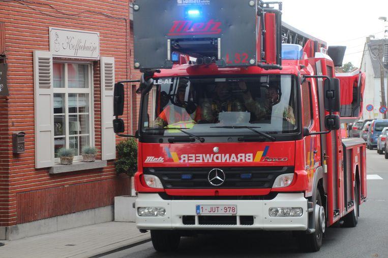 De ladderwagen van brandweerpost Lede.