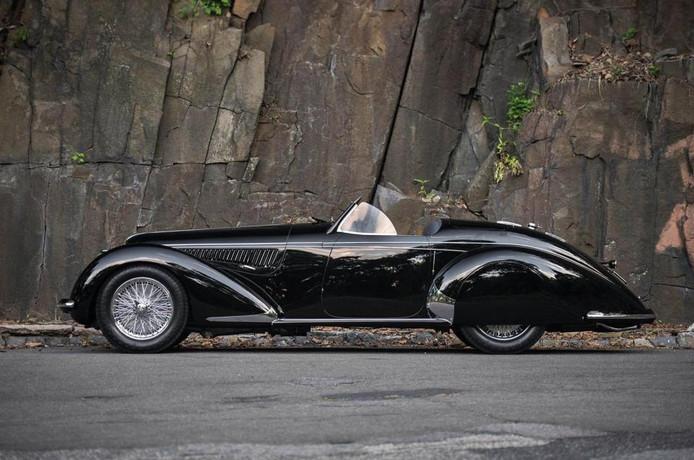De oudste auto op de lijst, maar wel de meest elegante en een echte Grand Tourer.