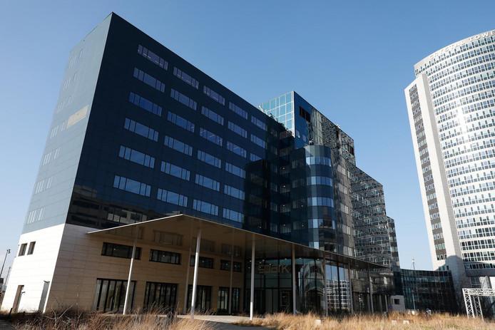 Het Sparkgebouw, het tijdelijke onderkomen van het Europees Geneesmiddelen Agentschap. Per 1 januari begint het EMA-personeel haar Amsterdamse periode hier.