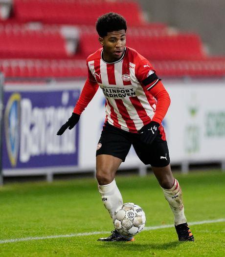 Jong PSV naar Helmond met coach Peter Uneken terug op de bank
