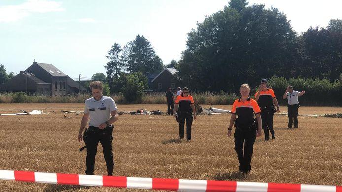 Zweefvliegtuig crasht in Goetsenhoven, 2 mensen verliezen er het leven.