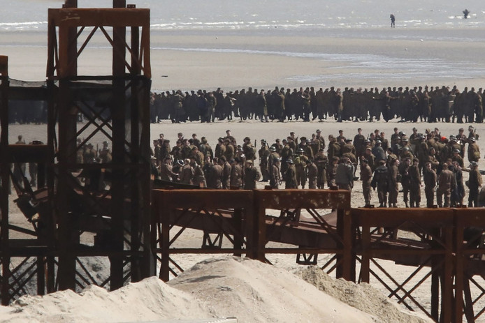 Op de set van Dunkirk in Frankrijk.