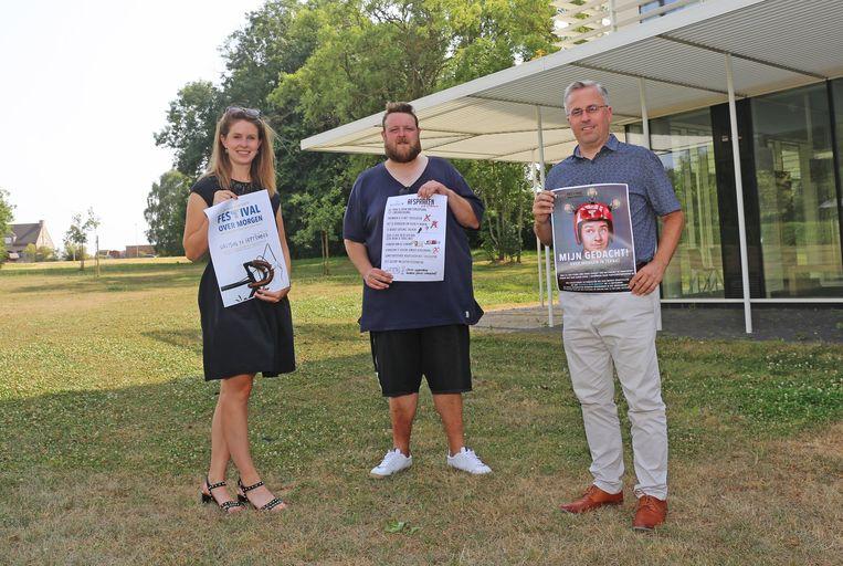 Ines Swaelens, Timo Schoukens en Gunter Desmet promoten het 'Festival over morgen'.