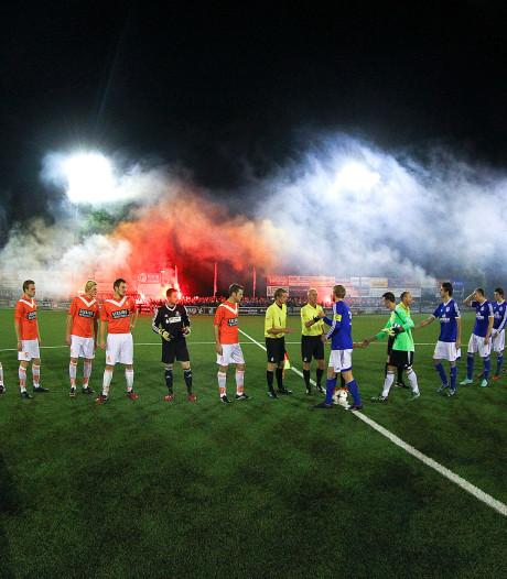 Opgefokte sfeer in het amateurvoetbal: 'Niet naar Twentse steden!'