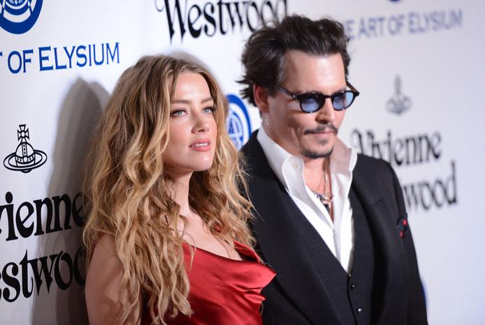 Amber Heard et Johnny Depp. Aujourd'hui, l'acteur attaque son ex-femme pour diffamation, car celle-ci l'accuse de violences conjugales.