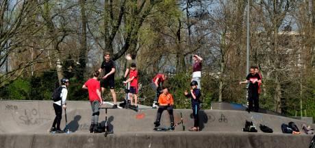 Pubers hebben 'schijt aan corona' en lopen weg, crisisteam regio Tilburg is er druk mee