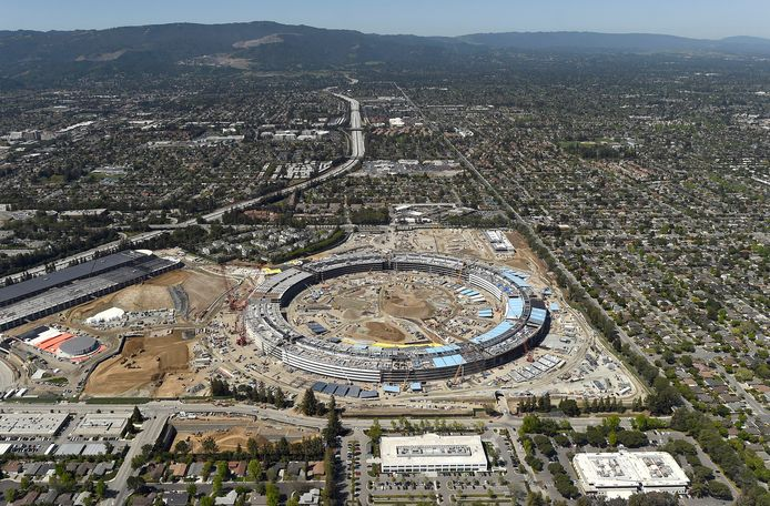In Cupertino, in hartje Silicon Valley, bouwt Apple een nieuw UFO-achtig hoofdkantoor