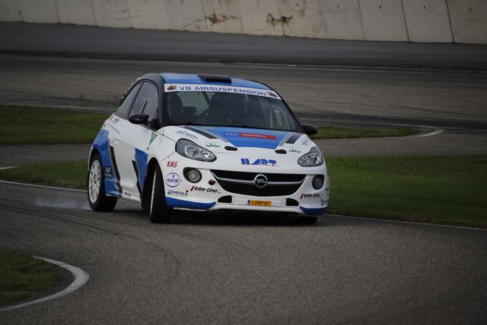 Rick Lubberding test de Opel Adam in de nieuwe kleurstelling voor de Hellendoorn Rally