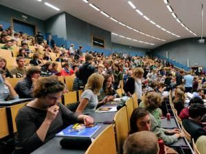 Victoire pour les étudiants: ils ne devront pas rembourser les allocations indûment perçues