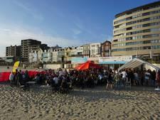 Studenten vieren strandfeest bij Pier 7
