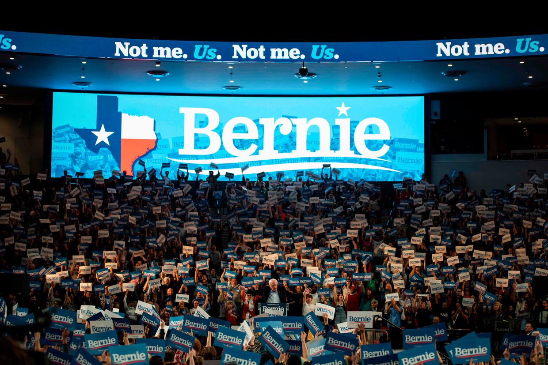Sanders tijdens een bijeenkomst op de Houston University in Texas, een van de veertien staten waar dinsdag voorverkiezingen zijn.