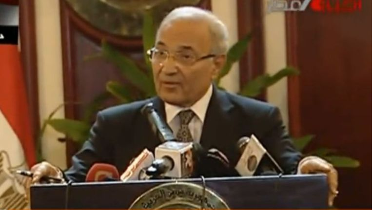 De Egyptische premier Ahmed Shafiq op Al Jazeera. (screenshot) Beeld