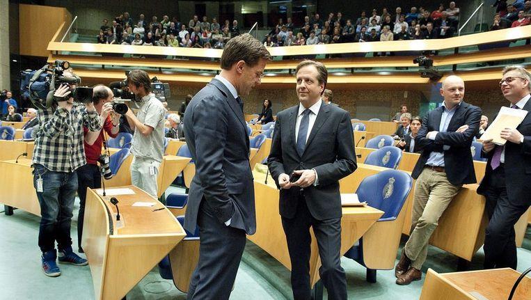 Premier Rutte en D66-fractievoorzitter Alexander Pechtold gisteren in de Tweede Kamer Beeld anp