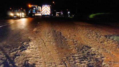 Motorrijder verongelukt door centimeters dikke modderlaag op rijweg