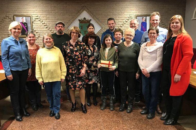 De winnaars van de eindejaarsactie werden ontvangen in het gemeentehuis.