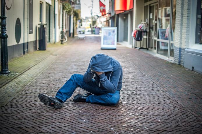 De confrontatie met mensen die op straat afwijkend gedrag vertonen, kan angst inboezemen.