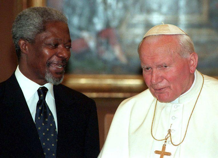 Met paus Johannes-Paulus II in 1997 in het Vaticaan.
