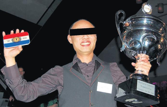 Hon-Kee M. uitgeroepen tot beste croupier van Nederland, betrapt op fraude. ©HOLLAND CASINO