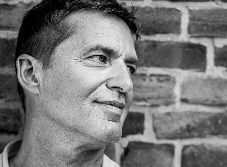 Mick Boskamp. De 59-jarige journalist heeft bijna dertig jaar een cocaïne- en cannabisverslaving gehad. In april 2013 is hij gestopt, waarna hij achttien weken is behandeld in een Schotse kliniek. Vandaag is hij drie jaar, drie maanden en vijftien dagen clean Beeld Nyusha Glenn