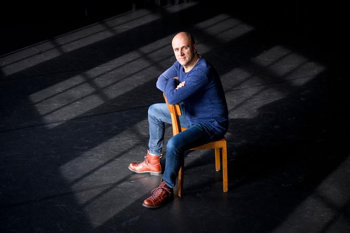 Erwin van Heusden biedt zijn theater aan als studio, nu hij er voorlopig geen voorstellingen kan geven.