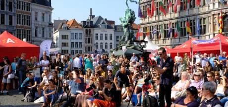 Pantoffels gooien op Antwerpse Cultuurmarkt