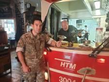Chef-kok Pierre Wind proeft soldatenkost: 'Ik dacht dat militairen op een houtje zaten te bijten'