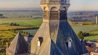 Stad Mesen laat rolstoelgebruikers en mensen met hoogtevrees meegenieten van panoramisch zicht vanop kerktoren