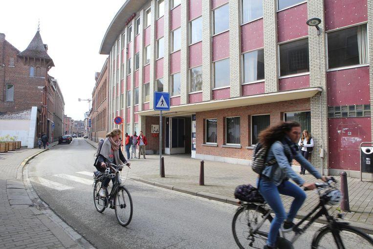 Het gebouw van het College in de Broekstraat.