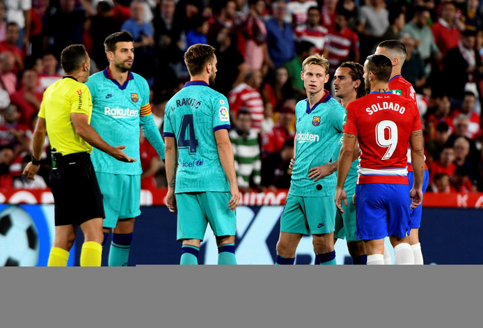 Granada's and Barcelona's players during the Spanish LaLiga match between Granada CF and FC Barcelona at Nuevo Los Carmenes stadium in Granada, Andalusia, Spain, 21 September 2019. EFE/ Miguel Angel Molina