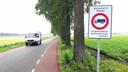 De Lage Zegstraat is een van de straten die volgens de gemeente gezien de drukte wel verlicht zou kunnen worden.