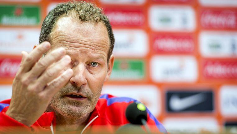 Bondscoach Danny Blind tijdens een persconferentie in het Cardiff City Stadium, voorafgaand aan de oefeninterland van het Nederlands elftal tegen Wales. Beeld anp