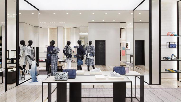13032f9409e ... Sinds 1995 ontwikkelt Peter Marino alle winkels voor Chanel, zoals  hierboven de nieuw verbouwde Chanelwinkel in de P.C. Hooftstraat. Beeld  Chanel