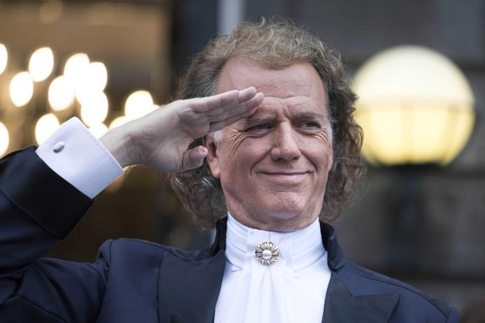 Violist en concertleider Andre Rieu tijdens zijn concertreeks op het Vrijthof.