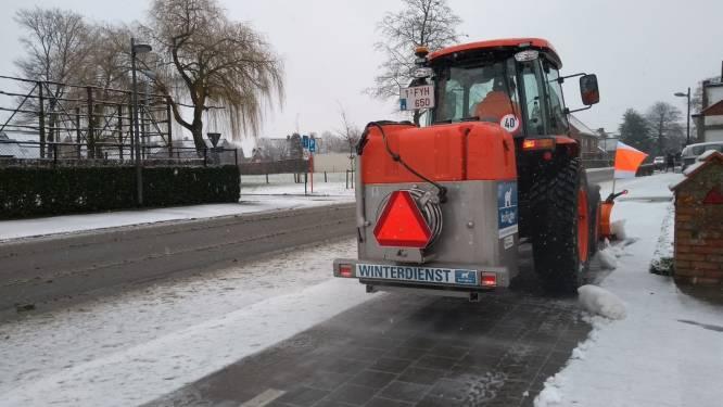 Eerste sneeuwval vuurdoop voor nieuwe multifunctionele tractor