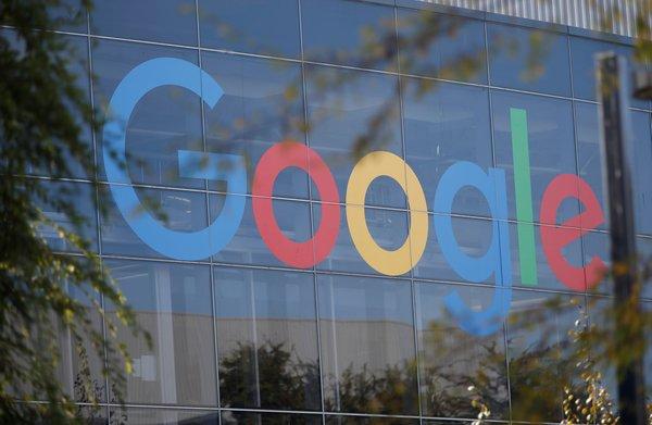 Kritiek op samenvoeging gezondheidsactiviteiten Google