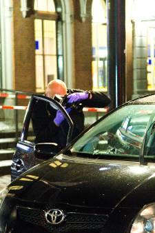 Auto onder vuur genomen in Dordrecht, bijrijder ontsnapt net aan kogel