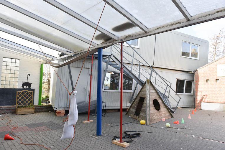 De klascontainers zijn vijf meter verschoven.