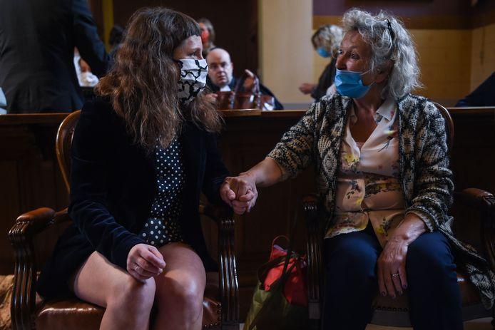 Zus Iris en moeder Clare