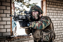 Een Belgische soldaat in actie in Litouwen.