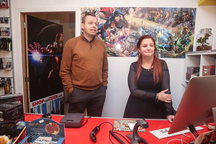 Yannick Van Outryve en Soraya De Cuyper van ShopforGeek.