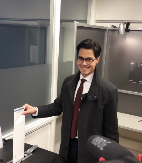 Rob Jetten ging stemmen in Ubbergen, maar het stemlokaal was er nog niet klaar voor