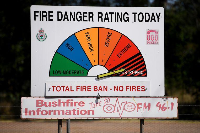 Een bord dat de kans op gevaar aanduidt in Richmond, ten westen van Sydney. De wijzer staat op 'catastrofisch', de zwaarste categorie.